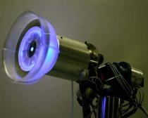 MediaLab_lamp_3quarter_blue2-500