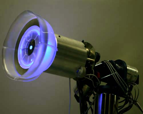 MediaLab_lamp_3quarter_blue2-500