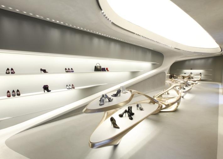 dezeen_Stuart-Weitzman-flagship-store-by-Zaha-Hadid_ss_2