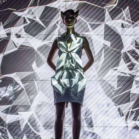 Annouk-Wipprecht-3D-printed-fashion-collection-for-Audi_dezeen_02
