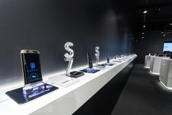 Samsung-pop-up-store-by-Cheil-Germany-Frankfurt-Germany-03
