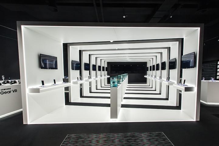Samsung-pop-up-store-by-Cheil-Germany-Frankfurt-Germany