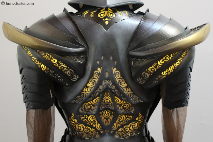 Sovereign_armor_back_closeup