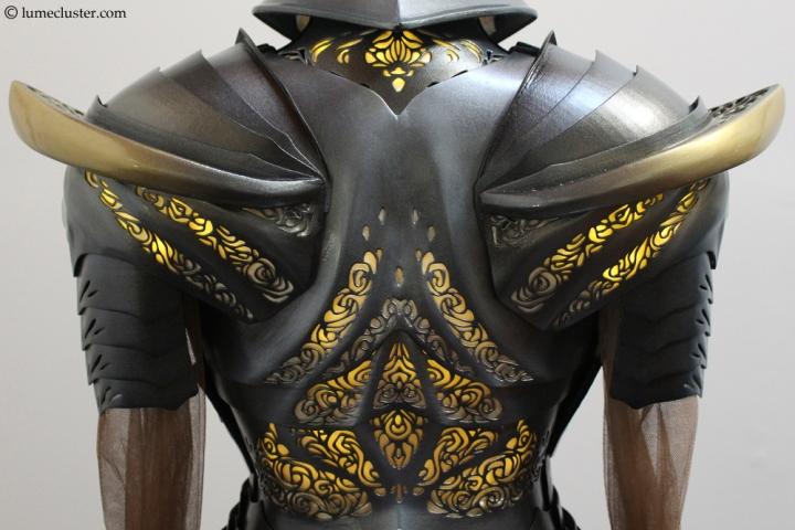 Sovereign_armor_back_closeup