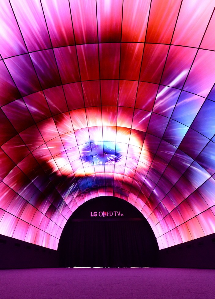 LG OLED-Tunnel_2