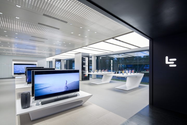 LeEco-Experience-Showroom-by-CallisonRTKL-Beijing-China-03